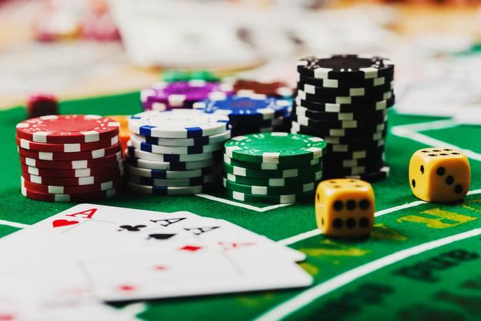 Игры онлайн казино елена как играть на карте диверсити